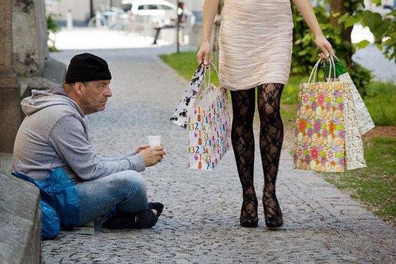«Даже обувь не можем купить»: Опрос промышленных организаций показал усугубление экономического кризиса